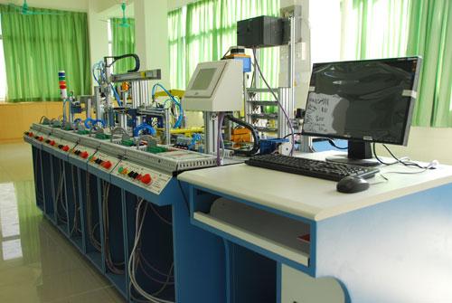 广东技校排名第一位的广州白云工商技师学院机电系机电一体化柔性控制系统