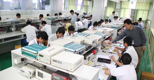 电子技术应用实训室