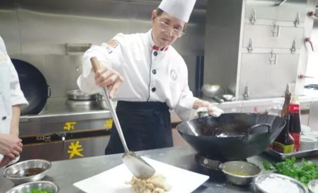 广州白云工商技师学院烹饪专业(粤菜与酒店管理方向)