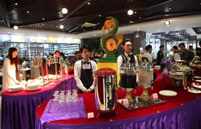 广州白云工商技师学院的网红西餐厅,快来体验不一样的西式美食吧