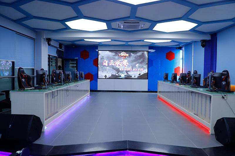 广州技校排名第一位的广州白云工商技师学院电竞馆