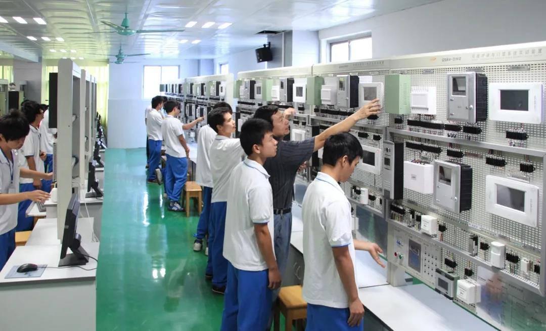 机电工程系学子实践教学