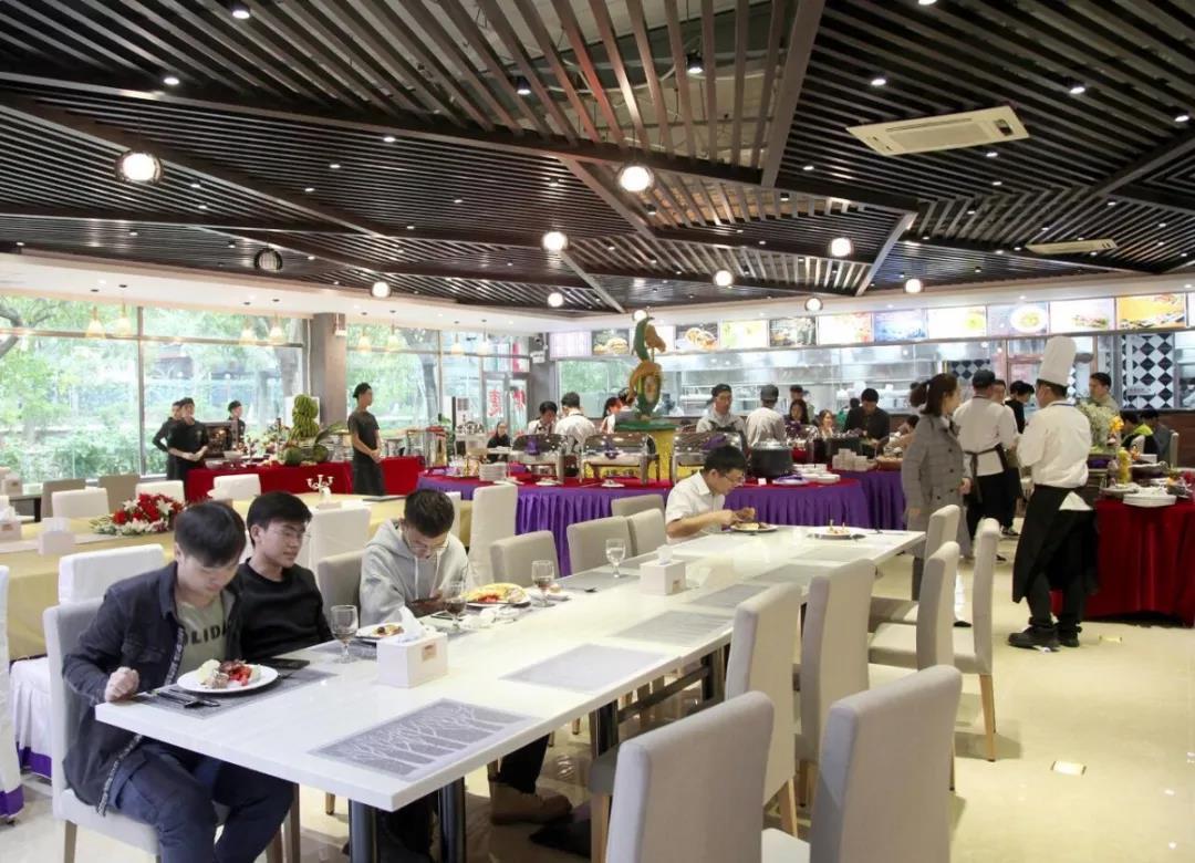 学校西餐厅