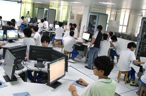 技校学什么好有前途? 互联网时代学移动互联应用技术 拥抱个性化新生活