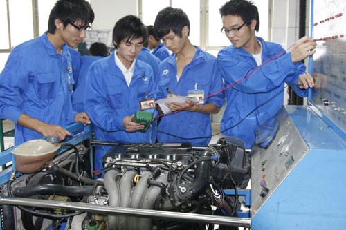 汽车检测与维修(五年制高级技工)