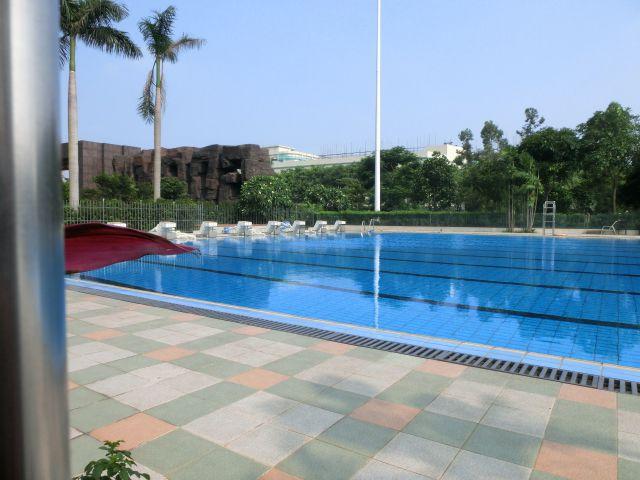 很多同学关心的游泳池